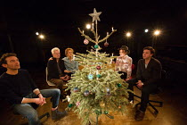 l-r: Milo Twomey (Konrad), Nicholas Le Prevost (Rudolph), Kate Fahy (Corinna), Laura Rogers (Bettina), Dominic Rowan (Albert) in WINTER SOLSTICE by Roland Schimmelpfennig opening at the Orange Tree Th...