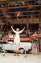 ROMEU & JULIETA based on ROMEO AND JULIET by Shakespeare conceived & directed by Garbriel Villela ~~l-r: Eduardo Moreira (Romeu / Romeo), Fernanda Vianna (Julieta / Juliet), Antonio Edson (Narrator),...