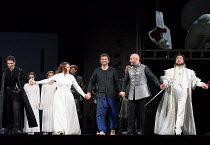 curtain call, l-r: Frederic Antoun (Cassio), Maria Agresta (Desdemona), Jonas Kaufmann (Otello), Marco Vratogna (Iago), In Sung Sim (Lodovico) at the end of a dress rehearsal of OTELLO by Verdi openin...
