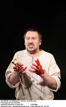 MACBETH   by Shakespeare   director: Andy Brereton ~Christopher Bowen (Macbeth)~Southwark Playhouse, London SE1  27/01/2006 ~(c) Donald Cooper   photos@photostage.co.uk  ref/   ref/7161