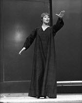 ANTONY AND CLEOPATRA   by Shakespeare   design: Sally Jacobs   director: Peter Brook Glenda Jackson (Cleopatra)Royal Shakespeare Company (RSC) / Royal Shakespeare Theatre, Stratford-upon-Avon, England...