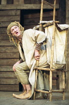 KING LEAR   by Shakespeare   director / Master of Play: Barry Kyle   John McEnery (Lear's Fool) Shakespeare's Globe, London SE1  22/05/2001    (c) Donald Cooper/Photostage   photos@photostage.co.uk...