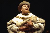 HENRY VIII  by Shakespeare  design: John Bury  lighting: John Bradley  director: Trevor Nunn   Donald Sinden (Henry VIII)  Royal Shakespeare Company (RSC), Aldwych Theatre, London WC2  17/12/1970...