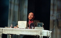 Antony Sher (Leontes) in THE WINTER'S TALE by Shakespeare presented by the Royal Shakespeare Company (RSC) at the Royal Shakespeare Theatre Stratford-upon-Avon, England on 06/01/1999 design: Robert Jo...