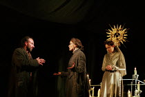 l-r: Antony Sher (Leontes), Estelle Kohler (Paulina), Alexandra Gilbreath (Hermione) in THE WINTER'S TALE by Shakespeare presented by the Royal Shakespeare Company (RSC) at the Royal Shakespeare Theat...