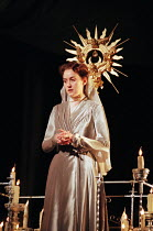 Alexandra Gilbreath (Hermione) in THE WINTER'S TALE by Shakespeare presented by the Royal Shakespeare Company (RSC) at the Royal Shakespeare Theatre, Stratford-upon-Avon, England on 06/01/1999   desig...