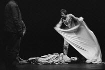 THE DUCHESS OF MALFI by John Webster design: William Dudley lighting: Andy Phillips director: Peter Gill ~the Duchess lies dead: Judy Parfitt (The Duchess of Malfi) Royal Court Theatre, London SW1 18/...