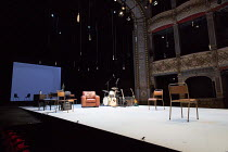 MOOD MUSIC by Joe Penhall set design: Hildegard Bechtler costumes: Dinah Collin lighting: Rick Fisher director: Roger Michell ~stage, set, auditorium, boxes, proscenium, seats, lights, musical instrum...