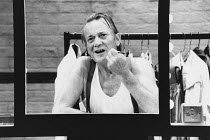 A LIFE IN THE THEATRE by David Mamet design: Hayden Griffin director: Bill Bryden <br> Denholm Elliott (Robert) Theatre Royal Haymarket, London SW1 03/10/1989 (c) Donald Cooper/Photostage photos@pho...