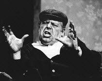 THE HOMECOMING by Harold Pinter design: Noel Wildsmith lighting: Ian Pygott director: Stephen Hollis l-r: John Savident (Max), Terence Rigby (Joey), Jane Lowe (Ruth), Harold Pinter (Lenny)Palace Theat...