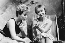 WHEN I WAS A GIRL, I USED TO SCREAM AND SHOUT by Sharman Macdonald design: Robin Don director: Simon Stokes <br> l-r: Eleanor David (Fiona), Sheila Reid (Morag) Bush Theatre, London W12 07/11/1984 (...