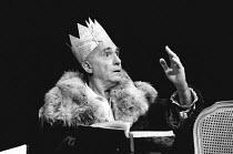 THE MADNESS OF GEORGE III by Alan Bennett design: Mark Thompson lighting: Paul Pyant director: Nicholas Hytner <br> Nigel Hawthorne (King George III), Lyttelton Theatre, National Theatre (NT), London...
