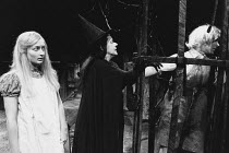 HANSEL AND GRETEL by David Rudkin design: Chris Dyer lighting: Leo Leibovici director: Ron Daniels <br> l-r: Janine Duvitski (Gretel), Brenda Bruce (The Witch), Allan Hendrick (Hansel) Royal Shakespea...