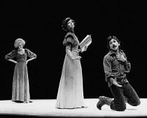 HEDDA adapted by Charles Marowitz from 'Hedda Gabler' by Henrik Ibsen design: Timian Alsaker director: Charles Marowitz <br> l-r: Kathryn Pogson (Thea Elvstead), Jenny Agutter (Hedda Gabler), Frank Gr...