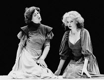 HEDDA adapted by Charles Marowitz from 'Hedda Gabler' by Henrik Ibsen design: Timian Alsaker director: Charles Marowitz <br> l-r: Jenny Agutter (Hedda Gabler), Kathryn Pogson (Thea Elvstead) Roundhous...