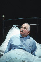 MOONLIGHT by Harold Pinter design: Bob Crowley lighting: Rick Fisher director: David Leveaux <br>Ian Holm (Andy)an Almeida Theatre production / Comedy Theatre, London SW1 04/11/1993 (c) Donald Cooper/...