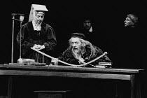 THE LIFE OF GALILEO by Bertolt Brecht translated by Howard Brenton set design: Jocelyn Herbert costumes: Jocelyn Herbert & Stephen Skaptason lighting: Andy Phillips director: John Dexter <br> left: Se...