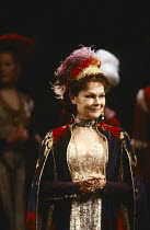 HAMLET by Shakespeare set design: John Gunter costumes: Liz da Costa director: Richard Eyre <br> Judi Dench (Gertrude) Olivier Theatre, National Theatre (NT), London SE1 16/03/1989 (c) Donald Cooper/...
