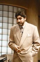 SPEED-THE-PLOW by David Mamet design: Michael Merritt lighting: Kevin Rigdon director: Gregory Mosher <br> Alfred Molina (Charlie Fox) Lyttelton Theatre, National Theatre (NT), London SE1 25/01/1989 (...