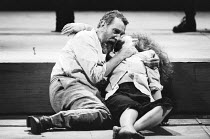 KING LEAR by Shakespeare design: David Fielding director: Nicholas Hytner <br> V/iii - John Wood (Lear), Alex Kingston (Cordelia) Royal Shakespeare Company (RSC) / Royal Shakespeare Theatre Stratfor...