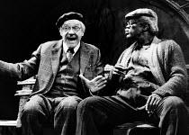 I'M NOT RAPPAPORT by Herb Gardner set design: Tony Walton costumes: Liz da Costa lighting: Robert Ornbo director: Daniel Sullivan <br> l-r: Paul Scofield (Nat), Howard Rollins (Midge) Apollo Theatre,...