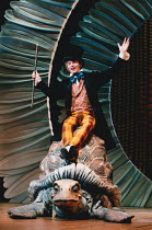 Phillip Schofield (as Doctor Dolittle) in DOCTOR DOLITTLE book/music/lyrics by Leslie Bricusse, directed by Steven Pimlott at Labatt's Apollo Hammersmith London in 1998. Design by Mark Thompson, light...