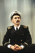 MUCH ADO ABOUT NOTHING by Shakespeare design: Neil Warmington lighting: Rick Fisher director: Matthew Warchus <br> Mark Rylance (Benedick) Queen's Theatre, London W1 06/07/1993 (c) Donald Cooper/Photo...