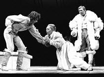 HAMLET by Shakespeare design: Christopher Morley lighting: John Bradley director: Trevor Nunn <br>~Gertrude collapses, poisoned, l-r: Alan Howard (Hamlet), Brenda Bruce (Gertrude), David Waller (Claud...