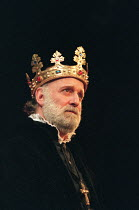HENRY IV by Shakespeare design: Pamela Howard director: Stephen Unwin <br> Gary Waldhorn (King Henry IV) English Touring Theatre (ETT), Old Vic, London SE1 30/01/1997 (c) Donald Cooper/Photostage phot...