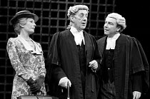 A VOYAGE ROUND MY FATHER by John Mortimer director: Ronald Eyre <br> l-r: Leueen MacGrath (Mother), Alec Guinness (Father), Mark Kingston (Ham / Boustead / Sparks / Mr Morrow) ** lo-res for selection...