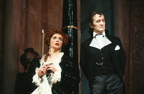 Joanna McCallum (Marguerite Blakeney), Charles Kay (Chauvelin) in THE SCARLET PIMPERNEL by Baroness Orczy at Her Majesty's Theatre, Haymarket, London SW1 11/12/1985   a Chichester Festival Theatre pro...