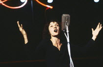 PIAF by Pam Gems design: Douglas Heap lighting: Leo Leibovici director: Howard Davies <br> Jane Lapotaire (Edith Piaf) Royal Shakespeare Company (RSC), The Other Place, Stratford-upon-Avon, England 1...