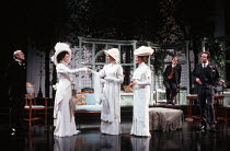 PYGMALION by George Bernard Shaw design: William Dudley lighting: Mark Henderson director: Howard Davies <br> l-r: Robin Bailey (Colonel Pickering), Frances Barber (Eliza Doolittle), Hermione Norris (...