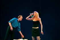 Iain Glen, Nicole Kidman in THE BLUE ROOM by David Hare at the Donmar Warehouse, London WC2 22/09/1998 freely adapted from 'Der Reigen' by Arthur Schnitzler design: Mark Thompson lighting: Hugh Vansto...