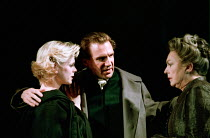 l-r: Emilia Fox (Virgilia), Ralph Fiennes (Coriolanus), Barbara Jefford (Volumnia) in CORIOLANUS by Shakespeare at the Gainsborough Studios, London N1 14/06/2000  an Almeida Theatre production des...