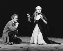 HAMLET by Shakespeare design: Ralph Koltai lighting: Mark Pritchard director: John Barton <br> Michael Pennington (Hamlet), Barbara Leigh-Hunt (Gertrude)  Royal Shakespeare Company (RSC), Roya...