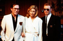 l-r: Harold Pinter (director) with Faye Dunaway (Circe) and Stephen Jenn (Bravo) at a press photocall for CIRCE & BRAVO by Donald Freed at the Hampstead Theatre, London NW3 05/06/1986 <br> set des...