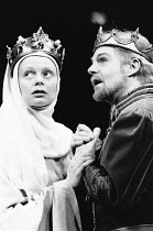 Kathryn Pogson (Isabel, Queen to King Richard), Derek Jacobi (King Richard the Second) in RICHARD II by Shakespeare at the Phoenix Theatre, London WC2 26/11/1988  design: Carl Toms lighting: Mick...