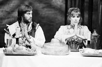 Nicky Henson (Petruchio), Susan Hampshire (Katharina) in THE TAMING OF THE SHREW by Shakespeare at the Shaw Theatre, London NW1 07/10/1974  a Dolphin Theatre Company production music: Stephen Oliv...