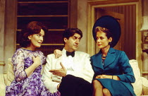 l-r: Judy Loe (Liz Essendine), Tom Conti (Gary Essendine), Jenny Seagrove (Joanna Lyppiatt) in PRESENT LAUGHTER by Noel Coward at the Globe Theatre, London W1 23/06/1993  design: Terry Parsons lig...