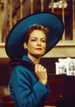 Jenny Seagrove (Joanna Lyppiatt) in PRESENT LAUGHTER by Noel Coward at the Globe Theatre, London W1 23/06/1993  design: Terry Parsons lighting: Mark Pritchard director: Tom Conti
