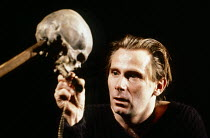Daniel Webb (Hamlet) in HAMLET by Shakespeare at the Haymarket Theatre Leicester, England 19/09/1989 international touring production design: David Borowsky lighting: Krystof Kozlowski choreograph...
