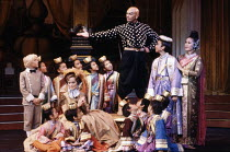 front left: Virginia McKenna (Anna Leonowens) rear right: Yul Brynner (The King of Siam) in THE KING AND I at the London Palladium, London W1 12/06/1979  music: Richard Rogers lyrics & book: Oscar...