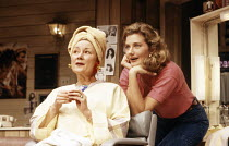 l-r: Rosemary Harris (M'Lynn), Joely Richardson (Shelby) in STEEL MAGNOLIAS by Robert Harling at the Lyric Theatre, London W1 07/03/1989  set design: Eileen Diss costumes: Lindy Hemming lighting:...