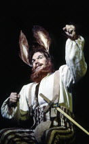 Stafford Dean (Bottom) in A MIDSUMMER NIGHT'S DREAM by Benjamin Britten after Shakespeare at the The Royal Opera, Covent Garden, London WC2 17/06/1986  music: Benjamin Britten libretto: Benjamin B...