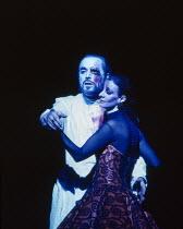 John Tomlinson (Wotan), Birgitta Svenden (Erda) in DAS RHEINGOLD by Wagner at the The Royal Opera, Covent Garden, London WC2 13/10/1994  conductor: Bernard Haitink design: Nigel Lowery lighting: P...