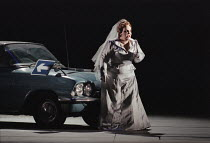 Jane Henschel (Fricka) in DIE WALKURE by Wagner at the The Royal Opera, Covent Garden, London WC2 30/09/1996  conductor: Bernard Haitink design: Nigel Lowery lighting: Pat Collins director: Richar...