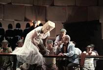 Deborah Polaski (Brunnhilde), Alan Held (Gunter) in GOTTERDAMMERUNG by Wagner at the The Royal Opera, Covent Garden, London WC2 14/10/1995  conductor: Bernard Haitink design: Nigel Lowery lighting...