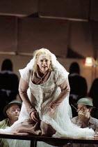 Deborah Polaski (Brunnhilde) in GOTTERDAMMERUNG by Wagner at the The Royal Opera, Covent Garden, London WC2 14/10/1995  conductor: Bernard Haitink design: Nigel Lowery lighting: Pat Collins moveme...