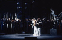 centre, l-r: Kathryn Harries (Gutrune - rear), Gwyneth Jones (Brunnhilde), Rene Kollo (Siegfried) in GOTTERDAMMERUNG by Wagner at the The Royal Opera, Covent Garden, London WC2 04/02/1991 conductor: B...